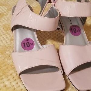 Bellini Blush Zip Heels
